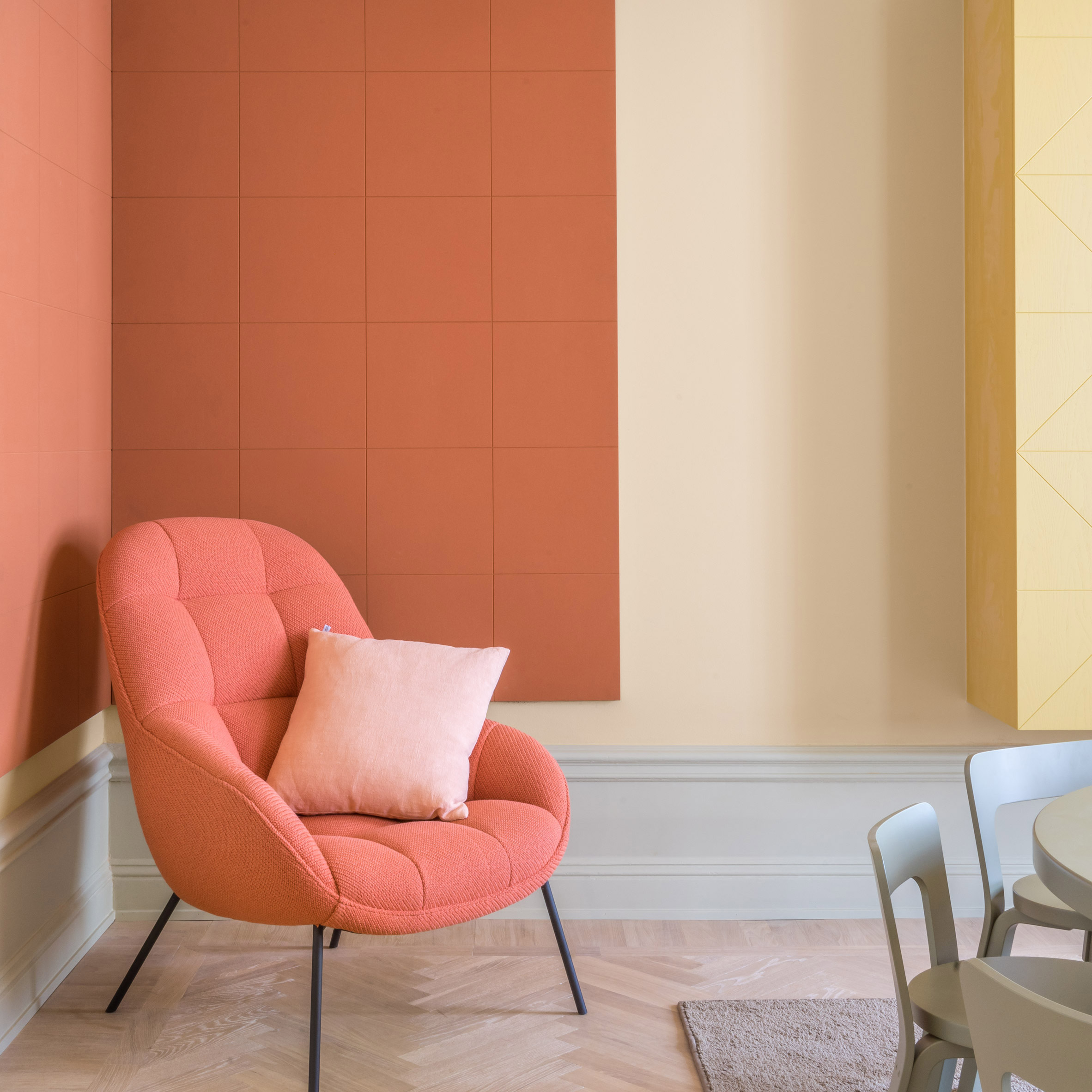 2019 Ultimate Upholstery Trends: Living Coral